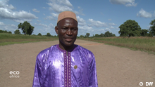 A mayor fighting climate change in Mali Schlagwörter: Eco Africa, environment, Mali, climate education, civil war, drought, deforestation, soil degradation
