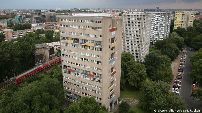 Жилые многоэтажные дома в Ганзейском квартале в Берлине