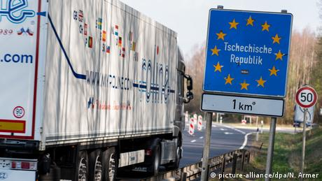 A truck crossing the German-Czech border