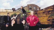 Deutschland | Down-Syndrom | Ohrenkuss
