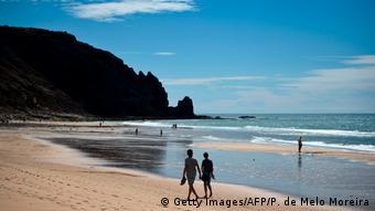 Portugal | Strand von Praia da Luz (Getty Images/AFP/P. de Melo Moreira)