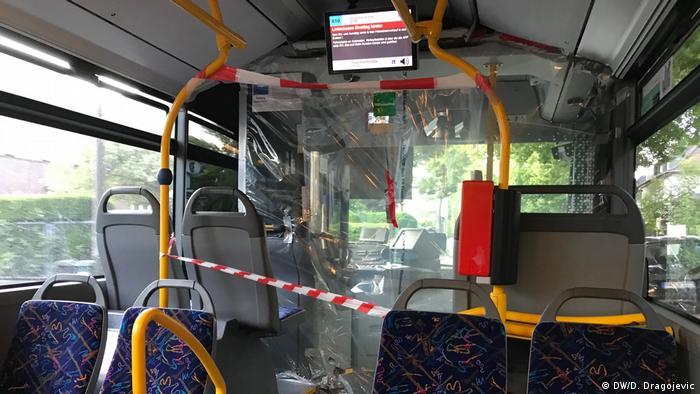 Autobus u Bonu u vreme korone