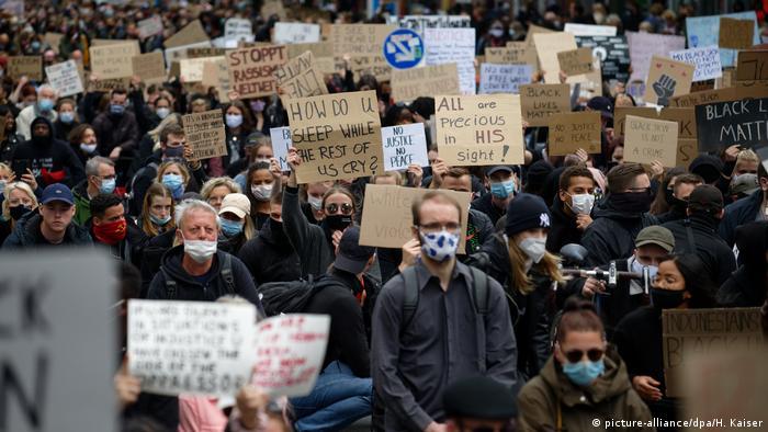 Акция протеста в Дюссельдорфе
