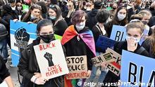 Deutschland Berlin | Proteste gegen Rassismus am Alexanderplatz