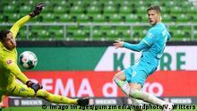 Deutschland Bundesliga - Werder Bremen v VfL Wolfsburg | Tor Weghorst