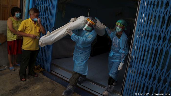 Thailand Coronavirus Shutdown Selbstmord-Hotline (Reuters/A. Perawongmetha)