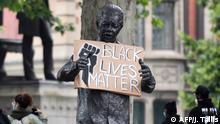 BG Statuen Proteste weltweit gegen Rassismus und Kolonialismus Südafrika Mandela