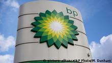 England | BP Logo an Tankstelle in Buckinghamshire