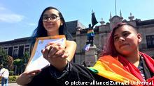 March 12, 2020: EUM20200312SOC06.JPG.CIUDAD DE MÉXICO, ProtectionAmparo-LGBT.- Este 12 de marzo de 2020 cinco parejas consiguieron cada una un amparo para contraer matrimonio igualitario, con lo que se manifestaron a las afueras del Congreso del Estado de México a favor de que sean considerados los derechos de la comunidad LGBTTTIQ mexiquense. Foto: Agencia EL UNIVERSALAFBV (Credit Image: © El Universal via ZUMA Wire |