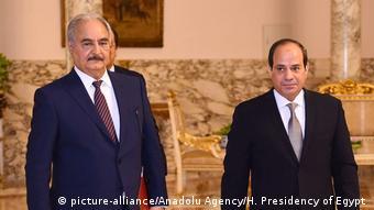 Στιγμιότυπο από παλαιότερη συνάντηση Αλ Σίσι-Χαφτάρ