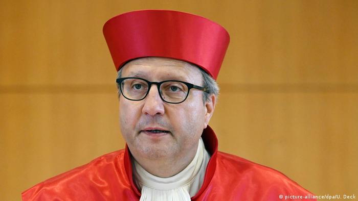 Gerichtspräsident Andreas Voßkuhle bei seiner voraussichtlich letzten Urteilsverkündung (Foto:picture-alliance/dpa/U. Deck)