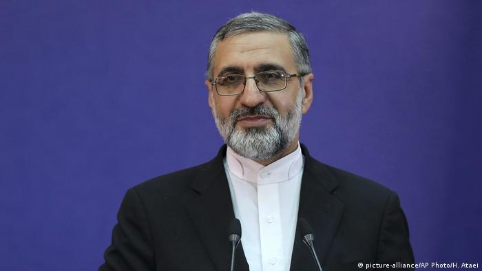 Justizsprecher Gholamhossein Esmaili bei seiner Pressekonferenz im iranischen Fernsehen (Foto: picture-alliance/AP Photo/H. Ataei)