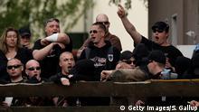 عناصر يمينية متطرفة ونازيون جدد يرددون شعارات عنصرية في برلين
