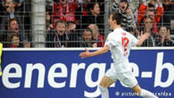 Johannes Flum von Freiburg bejubelt seinen 1:0-Siegtreffer gegen Mainz. (Foto: dpa)