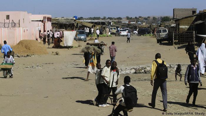 Sudan - Binnenvertriebene in Abu Shouk Lager in Darfur (Foto: Getty Images/AFP/A. Shazly)