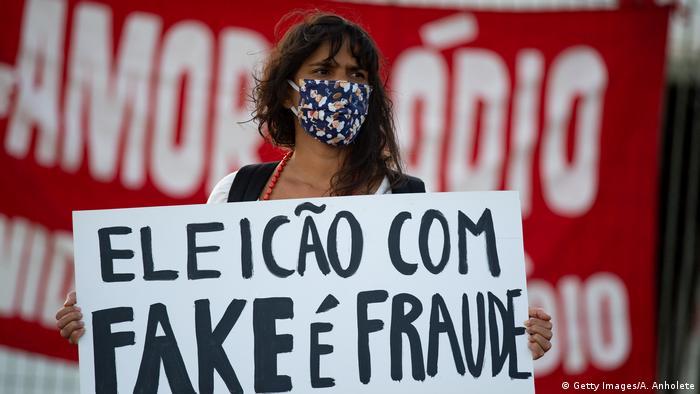 Brasilien | Coronavirus | Protest gegen Präsident Bolsonaro (Getty Images/A. Anholete)