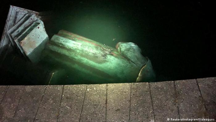 Втоплений пам'ятник Колумбу в Річмонді, Вірджинія