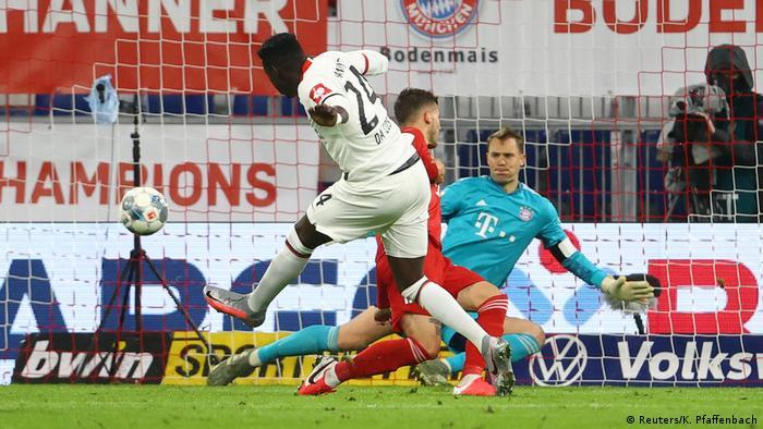 DFB Pokal   FC Bayern München v Eintracht Frankfurt Tor Danny da Costa (Reuters/K. Pfaffenbach)
