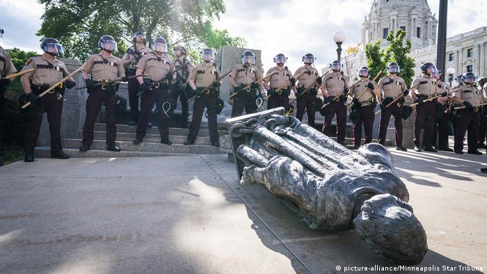 USA | Tod George Floyd | Rassismus | Polizeigewalt | Black Lives Matter | Gestürzte Kolumbus-Statue in St. Paul