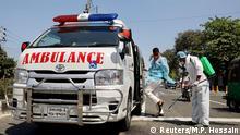 Bangladesch Dhaka | Coronavirus | Krankenwagen, Desinfektion