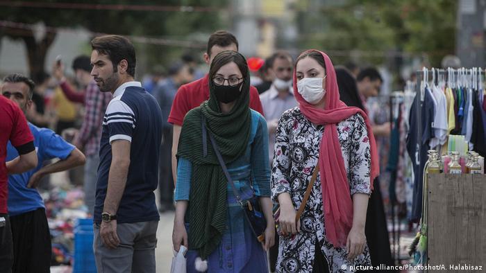 «با آغاز پیک سوم کرونا روزانه ۶۰ نفر در تهران فوت میکند»