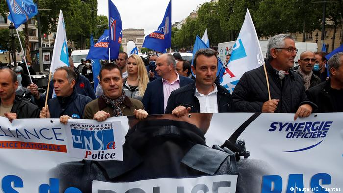 Frankreich Protest von Polizisten gegen Reform (Reuters/G. Fuentes)