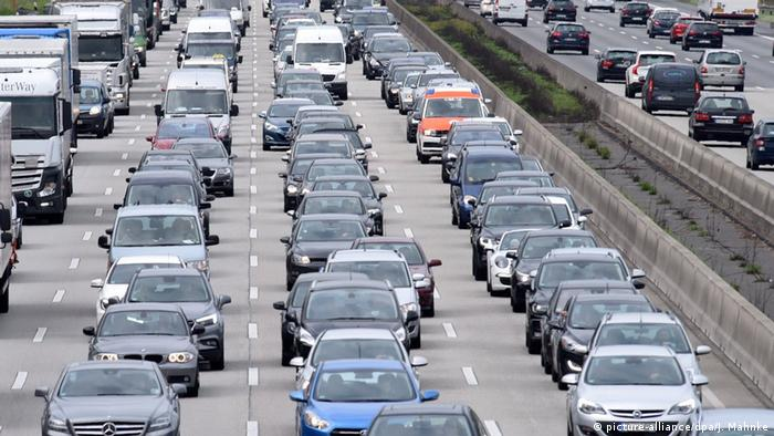 Автомобили на магистрала в Германия