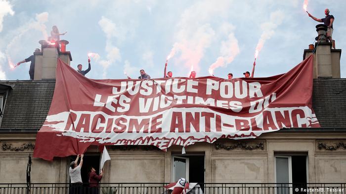 Frankreich Protest gegen Polizeigewalt in Paris | Gegenprotest Generation Identitaire (Reuters/B. Tessier)