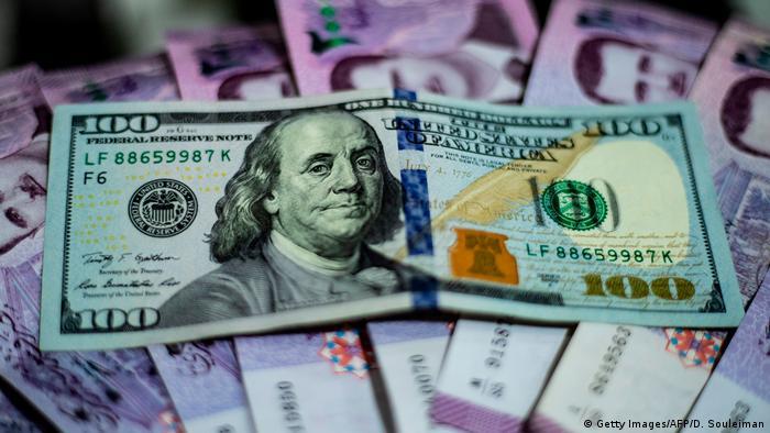 قيمة الليرة السورية شهدت تدهورا ملحوظا أمام الدولار والعملات الأخر ى عقب صدور قانون قيصر