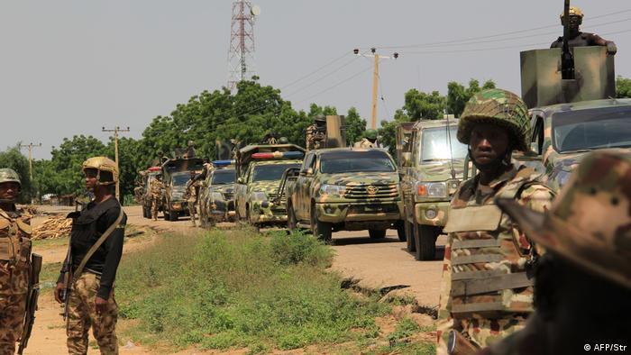 Nigeria Soldaten patrouillieren in Tungushe