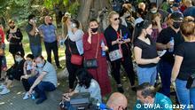 Armenien Jerewan   Anhänger der Opposition Blühendes Armenien