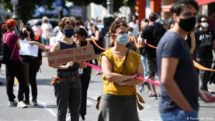 Deutschland Berlin   Black Lives Matter   Protest gegen Rassismus