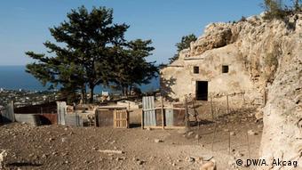 Υποστατικό έχει γίνει η εκκλησία του Αγίου Γεωργίου Σπηλιώτη