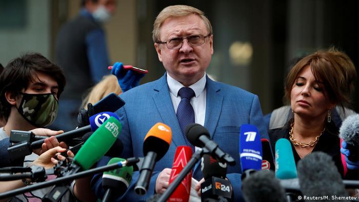 Whelans Anwalt Wladimir Scherebenkow teilt vor Reportern in Moskau mit, dass er in Berufung gehen will (Foto: Reuters/M. Shemetov)