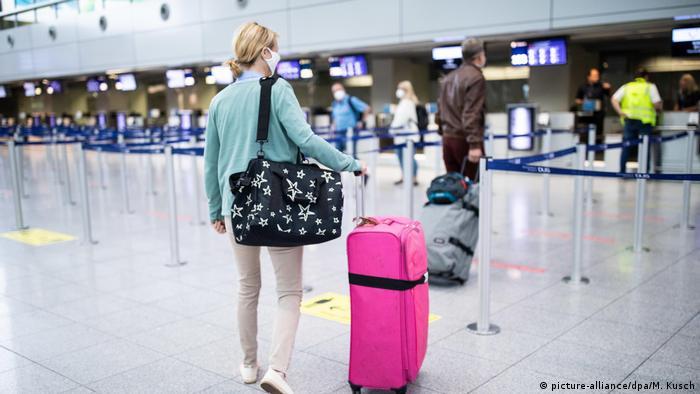 Coronavirus Latest Eu Revises Safe Travel List Removes Serbia And Montenegro News Dw 16 07 2020
