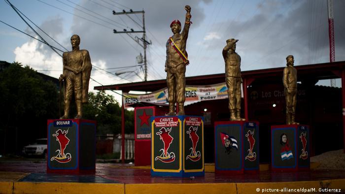 Venezuela El Amparo | Statuen | Bekannte Persönlichkeiten (picture-alliance/dpa/M. Gutierrez )