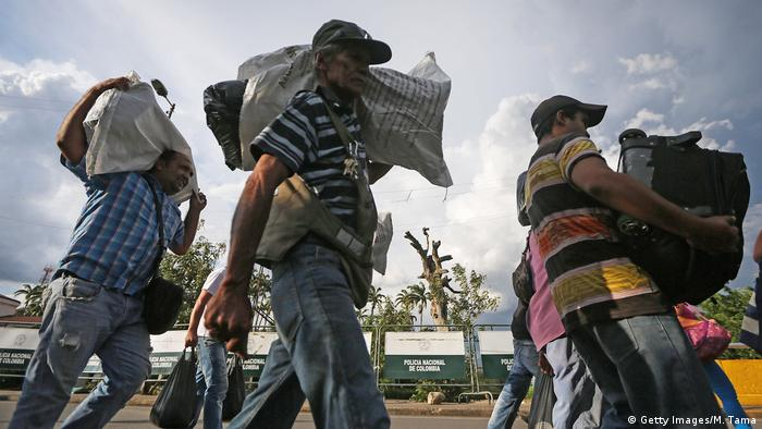 Symbolbild I Kolumbien I Flüchtlinge verlassen Cucuta (Getty Images/M. Tama)