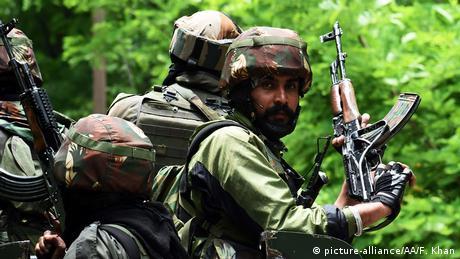 Foto de soldados indios