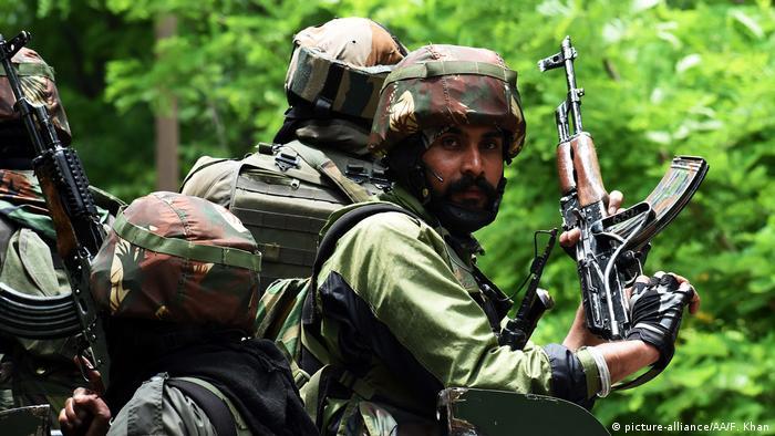 Indische Soldaten (picture-alliance/AA/F. Khan)