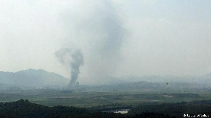 Fumaça sobre o complexo industrial em Kaeson, onde se localizava o escritório de intermediação entre as duas Coreias