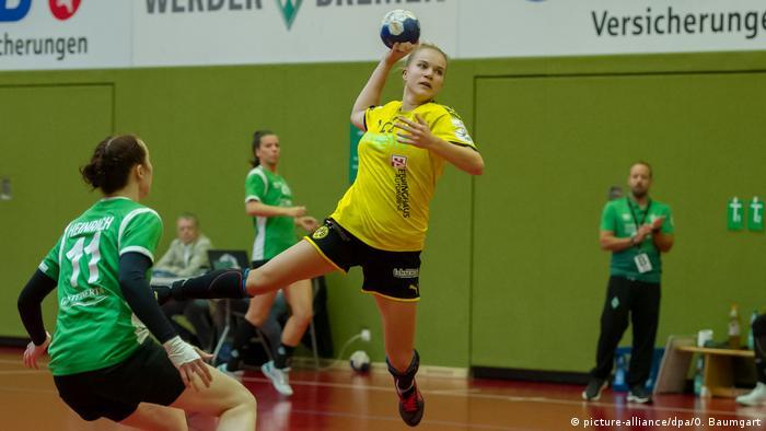 Handball, DHB-Pokal Frauen, SV Werder Bremen - Borussia Dortmund