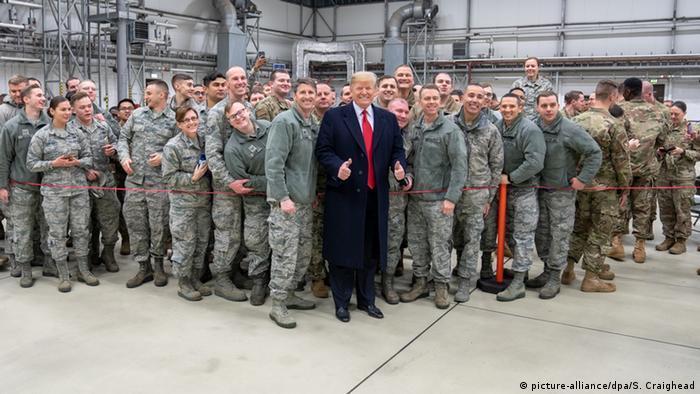 Donald Trump in Ramstein (picture-alliance/dpa/S. Craighead)