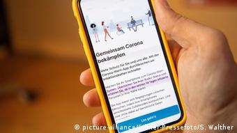 Corona Warn App (picture-alliance/Eibner-Pressefoto/S. Walther)