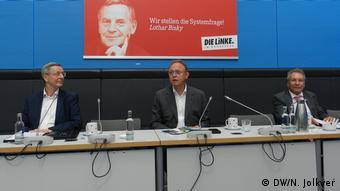 На пресс-конференции 16 июня: слева Михаэль Хармс, справа Клаус Эрнст