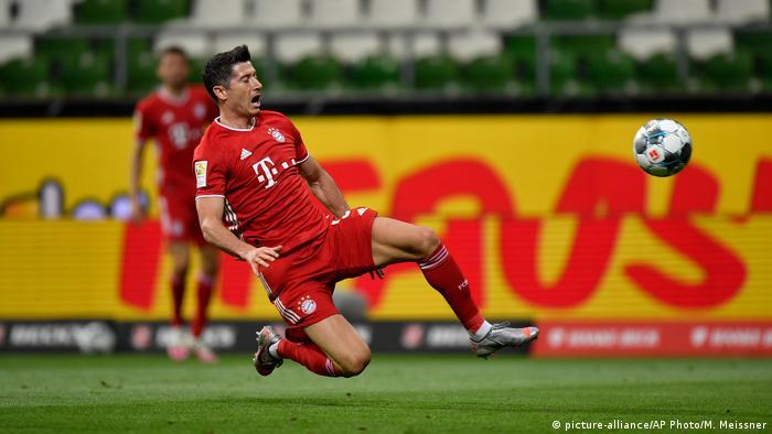 Werder Bremen - FC Bayern München (picture-alliance/AP Photo/M. Meissner)