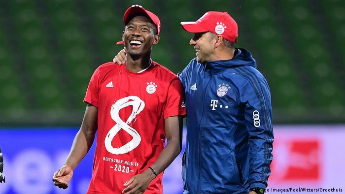 David Alaba y Hansi Flick felices.