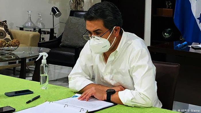 Honduras Präsident Juan Orlando Hernandez positiv auf Coronavirus getestet (AFP/O. Sierra)