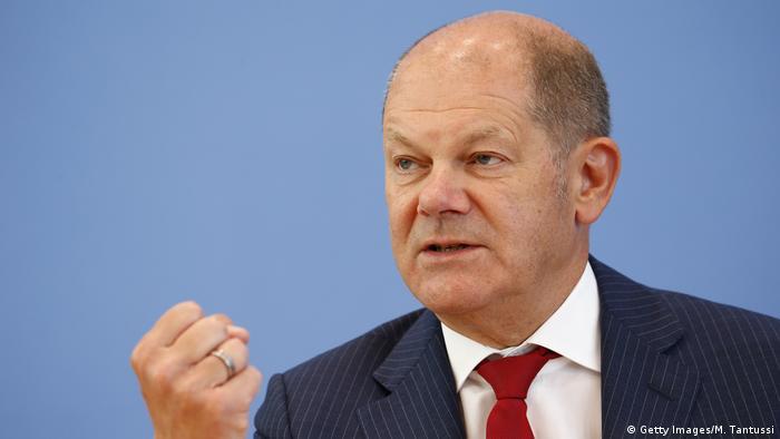 Министр финансов Германии Олаф Шольц на пресс-конференции 17 июня 2020 года