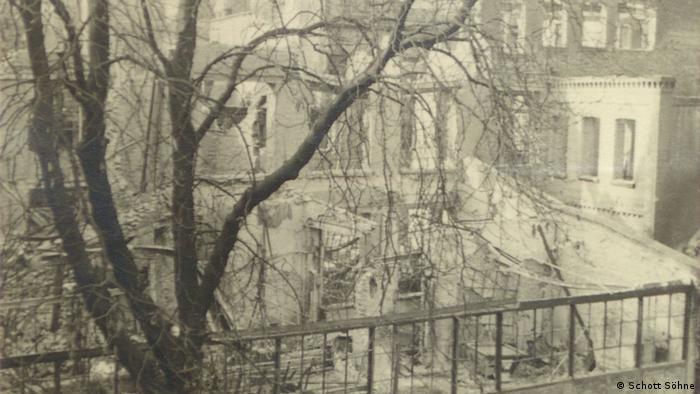 Zerbombtes Verlagsgebäude in Mainz im Jahr 1944 (Schott Söhne)