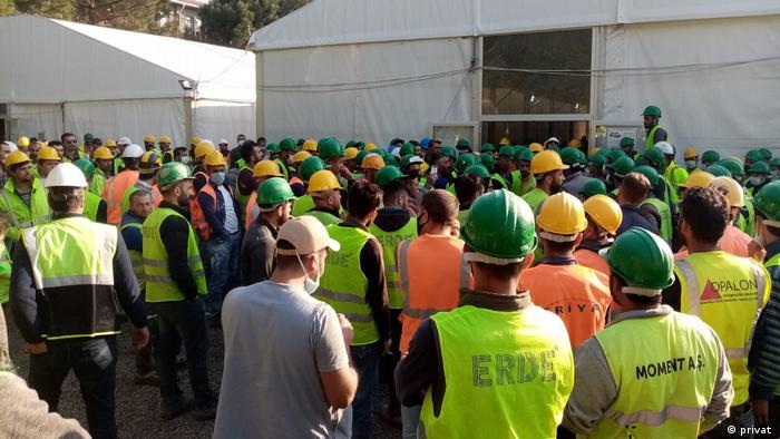 Şantiyede çalışan 30'dan fazla işçinin Covid-19'a yakalandığı öne sürülüyor.